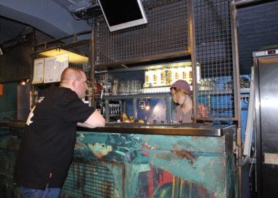 Nico au bar